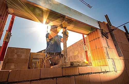 Schulung zur Erfüllung fachlicher Anforderungen für die Eintragung von Teiltätigkeiten des Maurer- und Betonbauerhandwerks (100 Stunden)