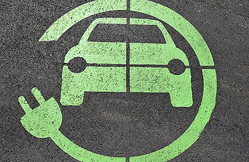 Elektro- oder Hybridfahrzeuge - Was Rettungskräfte wissen und beachten sollten